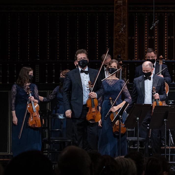 Öt mesterhegedűvel gazdagodott a Liszt Ferenc Kamarazenekar